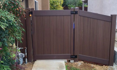 Home Vinyl Gate Installation