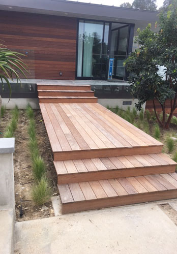 Durable IPE Wood Deck