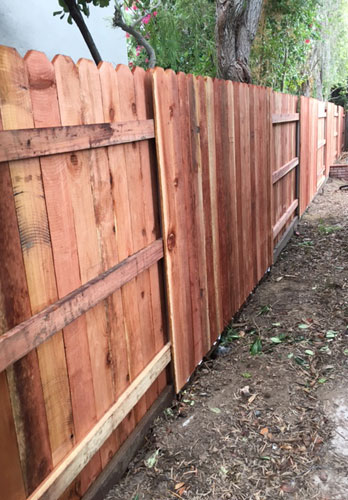 Redwood Fence Planks Contractor